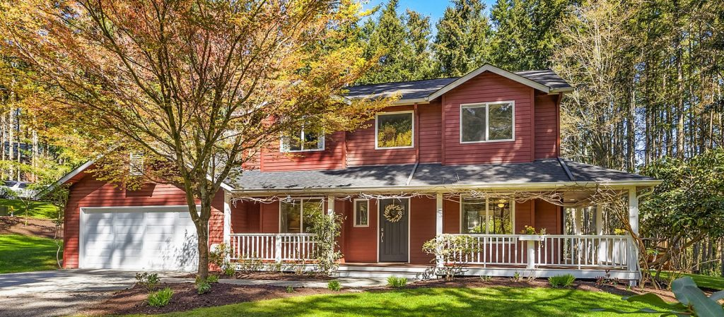 Just Listed by Susan Grosten on Walden Lane